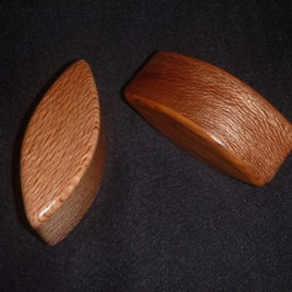 SHAKER / EGG (90mm) – NZ NATIVE TIMBERS – Rewarewa/Rimu matched pair