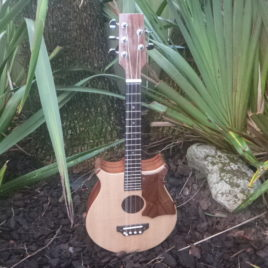 CROWN ROYALE TENOR 5 STRING UKULELE – Spruce Top